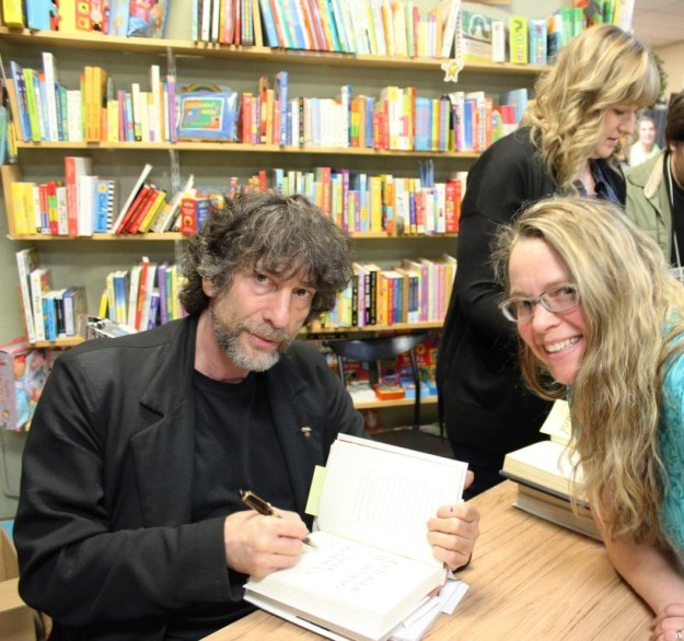 Yup, that's Neil Gaiman and me.