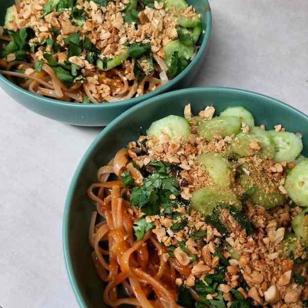 Sesame cucumber noodles